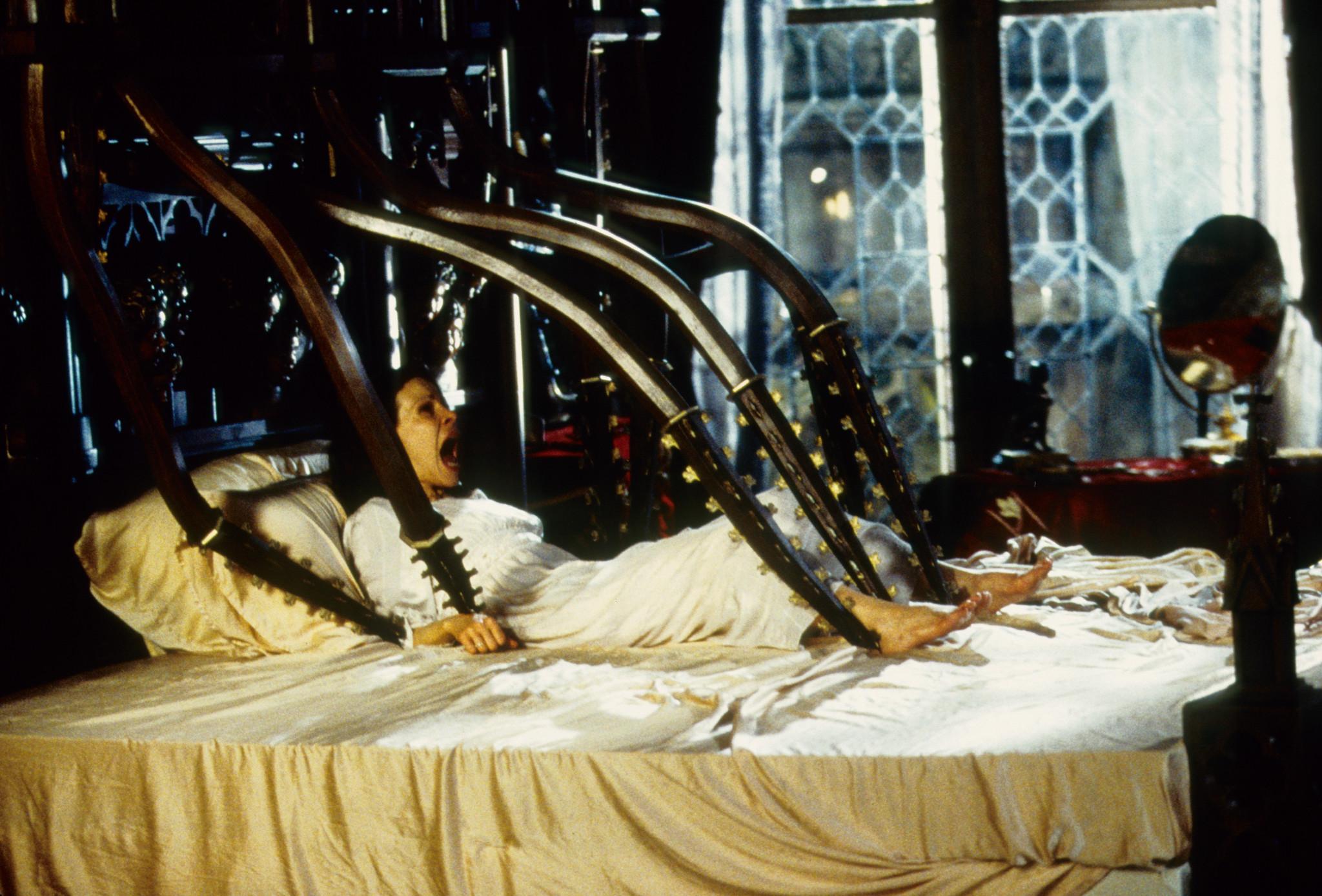 Film Review The Haunting 1999 Horrorathon 3 Film Freak Reviews